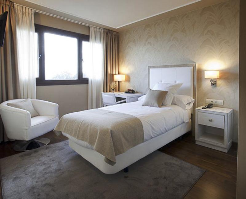 Hotel os olivos a coru a habitaciones de primera calidad - Insonorizacion de habitaciones ...